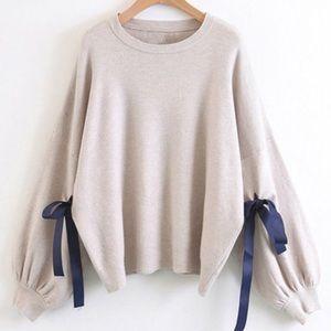 Sweaters - Blue ribbon bow oversized beige sweater